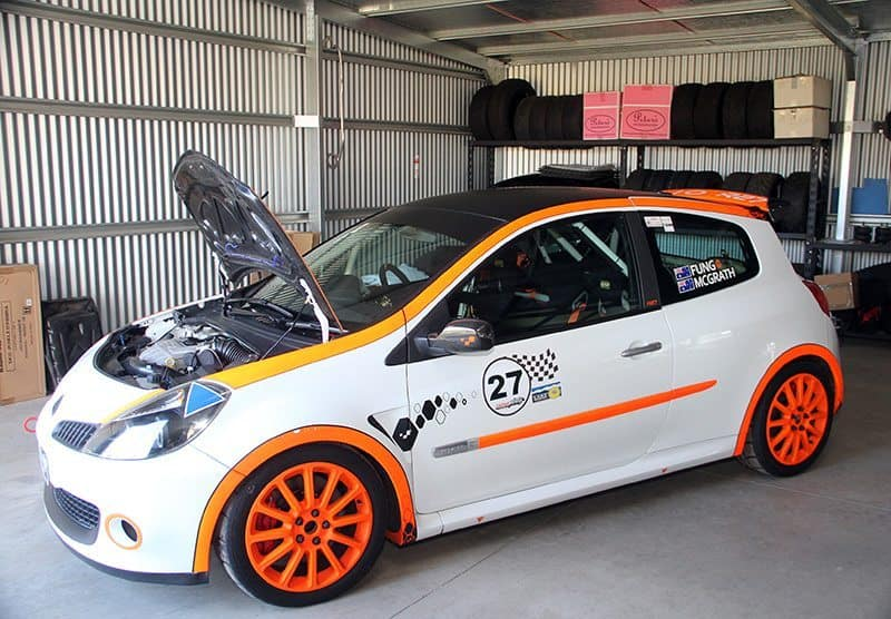 Renault Clio RS rally car